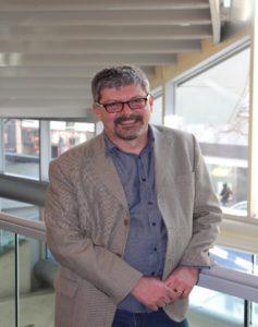 Dr. Wayne Macintosh Director of OER Foundation/OER University