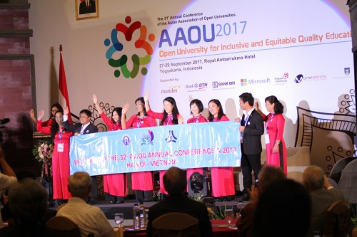 Presentation of the Host of AAOU 2018